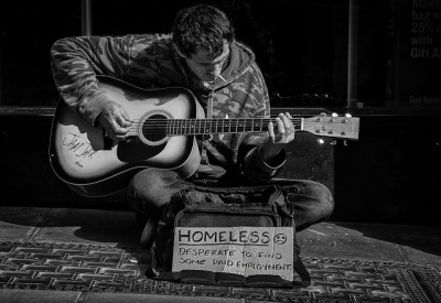 homeless guitar man_daz smith